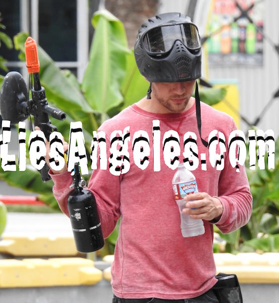 Ryan Phillippe paintball